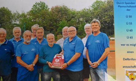 Defibrillator für den TC Fredenbeck